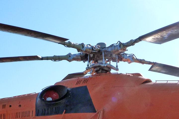 Вертолет Ми-8 авиакомпании «Ямал» совершил вынужденную посадку вЯНАО