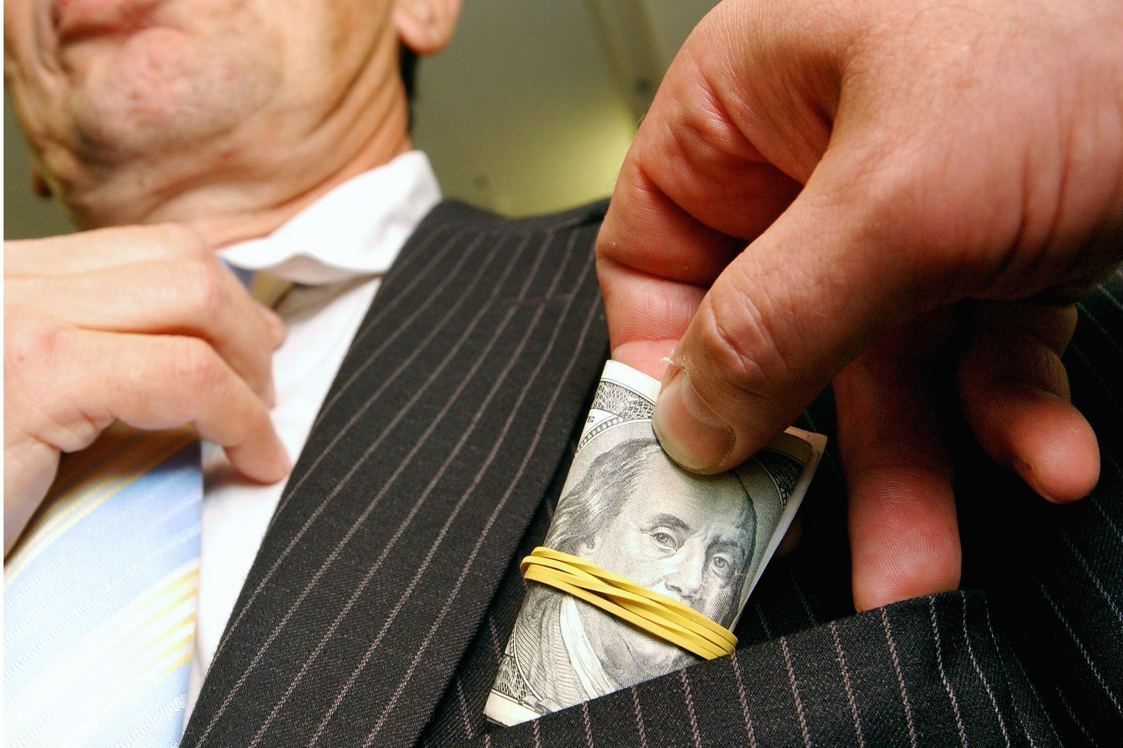 Полковника Захарченко задержали накануне по делу о получении взятки в 7 миллионов рублей. Фото ИТАР-ТАСС/ Эмиль Матвеев