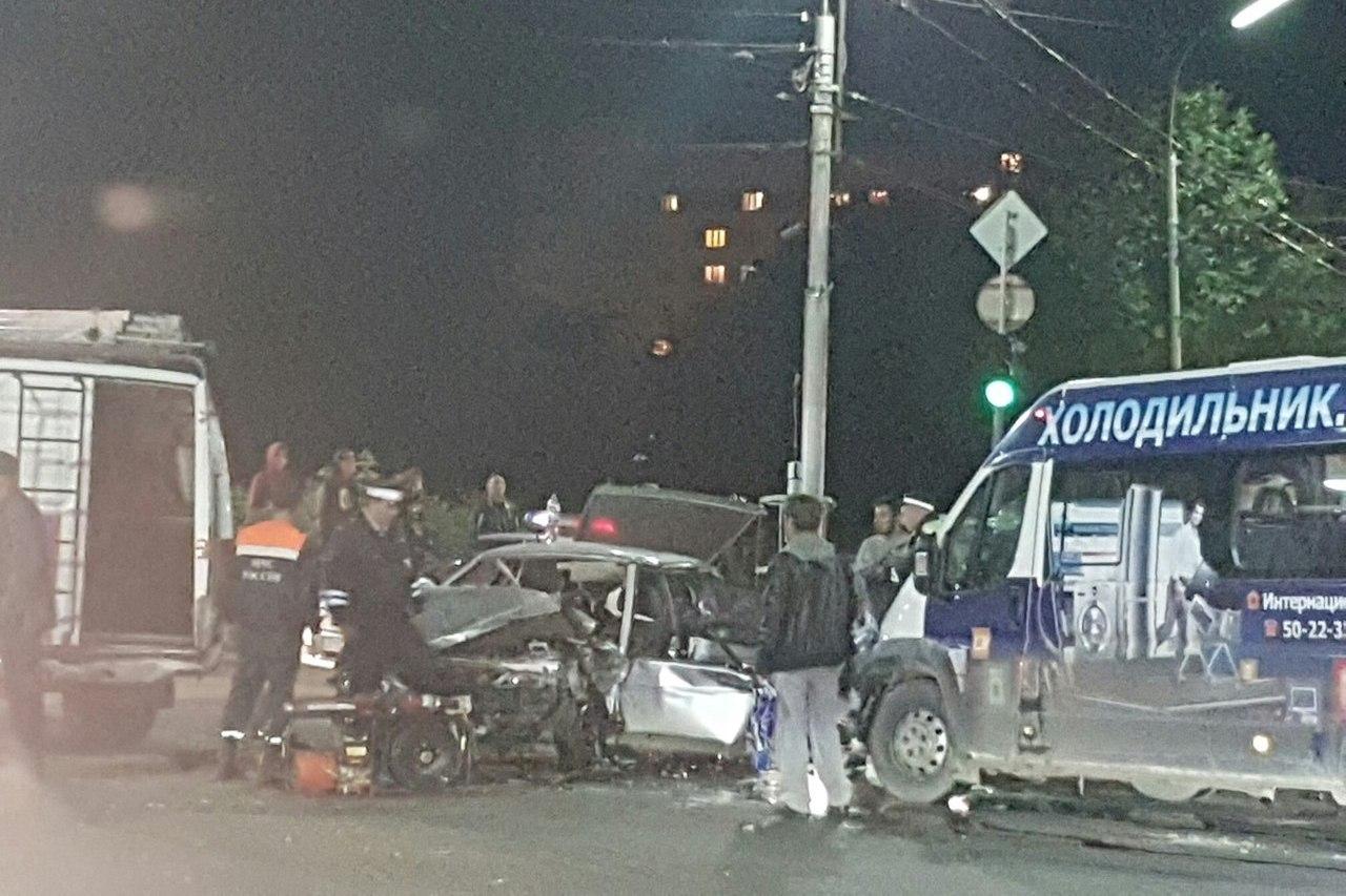 ВДТП сучастием маршрутки наКасимовском шоссе пострадали 6 человек