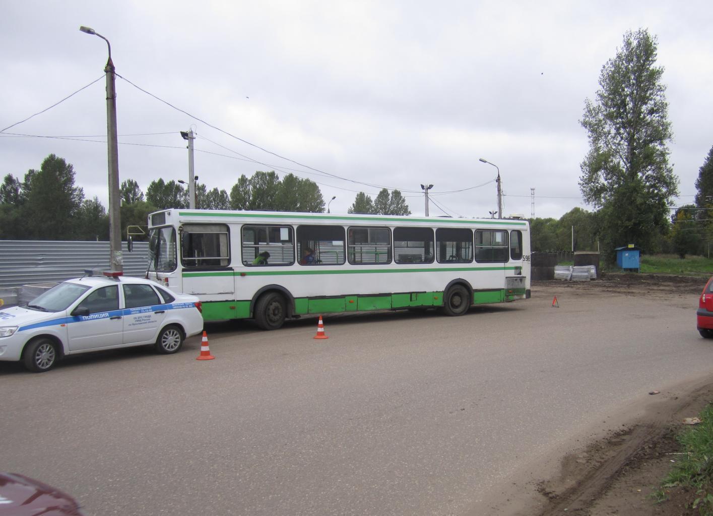 Всалоне ярославского автобуса пострадал мужчина