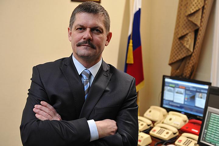 Руководитель московской милиции Якунин принял решение уйти вотставку
