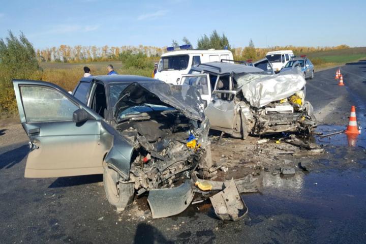 ДТП вТуймазинском районе: лоб влоб столкнулись Лада-Приора иВаз
