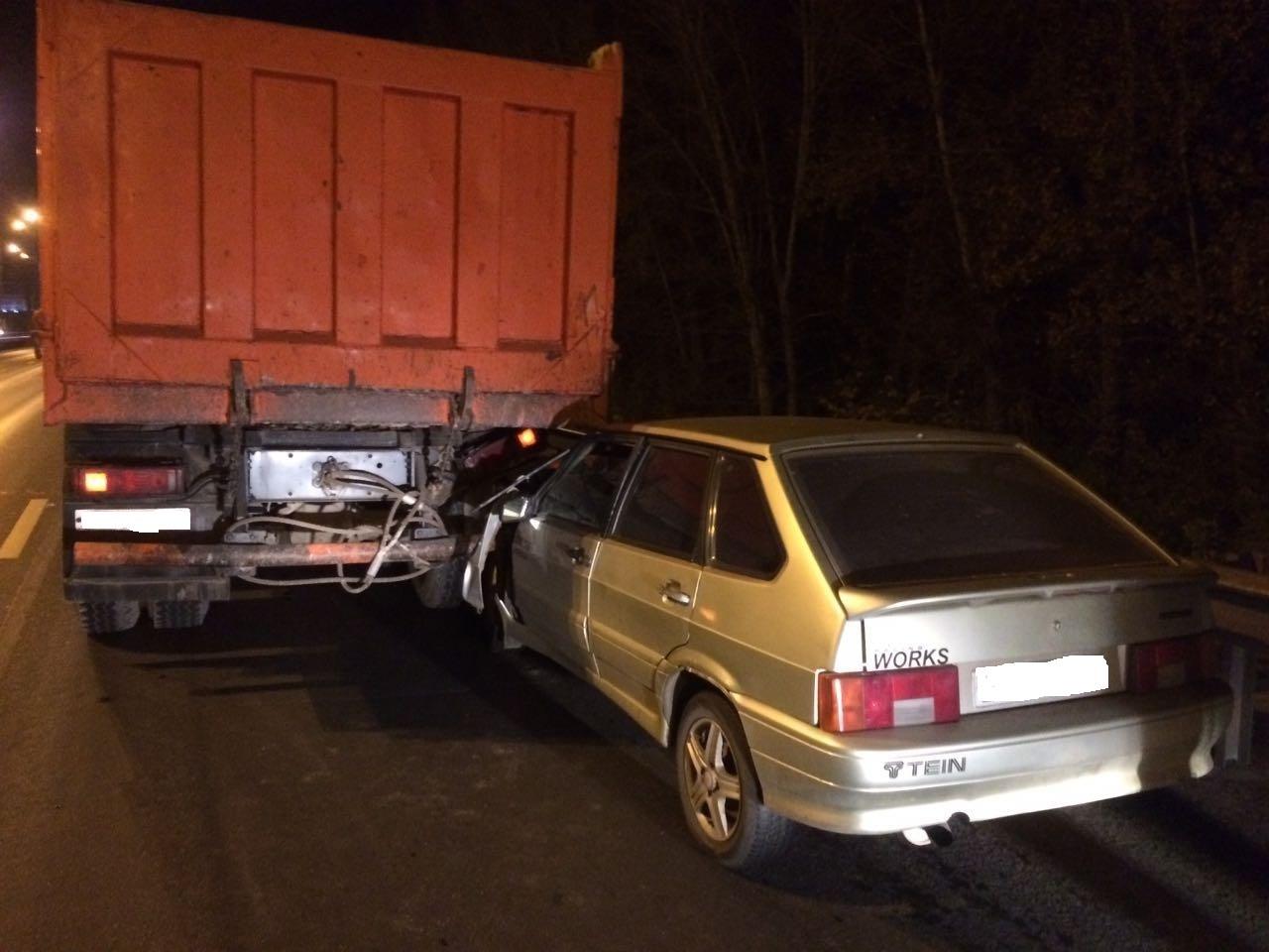 ВУфе «девятка» столкнулась с грузовым автомобилем - пострадал младенец