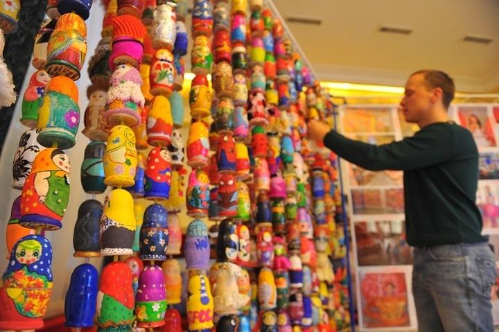 Казанцы чаще иных туристов привозят изпоездок сувениры— Исследование
