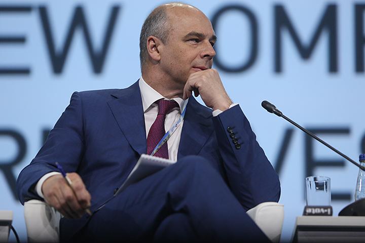 К примеру, Антон Силуанов еще в прошлом году говорил, что многие компании не платят налоги специально