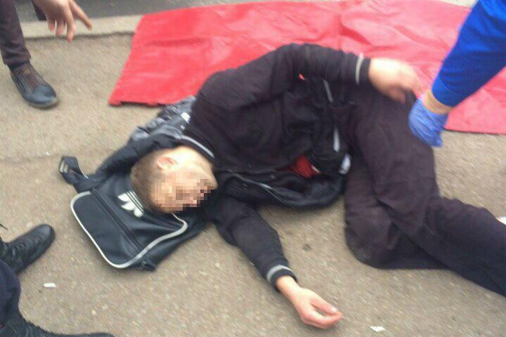 ВУфе парня пырнули ножом наулице: юноша умер наместе