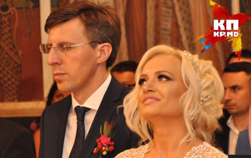 Молодые супруги на грани развода.