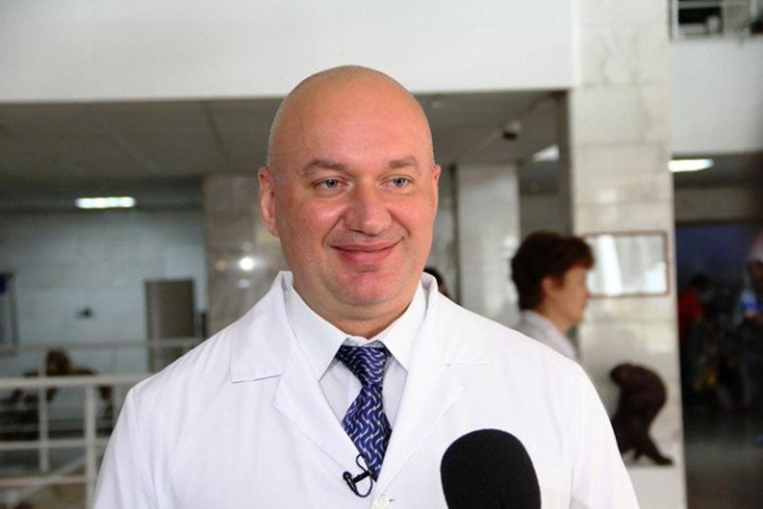 Александр Карлин представил нового главврача Алтайского Диагностического центра