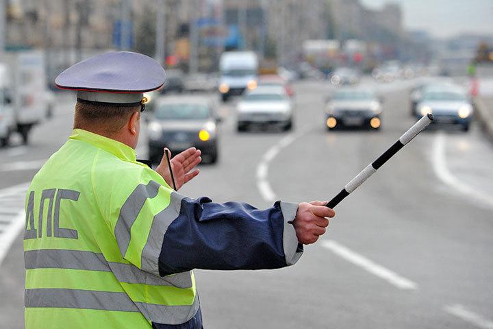 Бывшему инспектору ГИБДД угрожает до15 лет поделу обизбиении нарушителя
