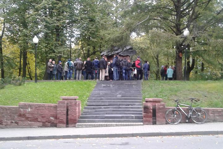 Представители витебского горисполкома встретятся с жителями, протестующими против строительства храма на месте парка Партизанской славы.