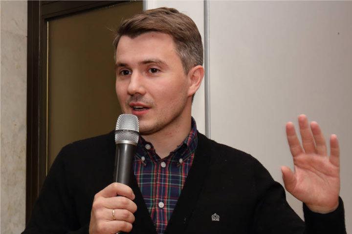 В Молдову, в рамках формата «А-3», прибыл известный российский спортивный комментатор Владимир Стогниенко
