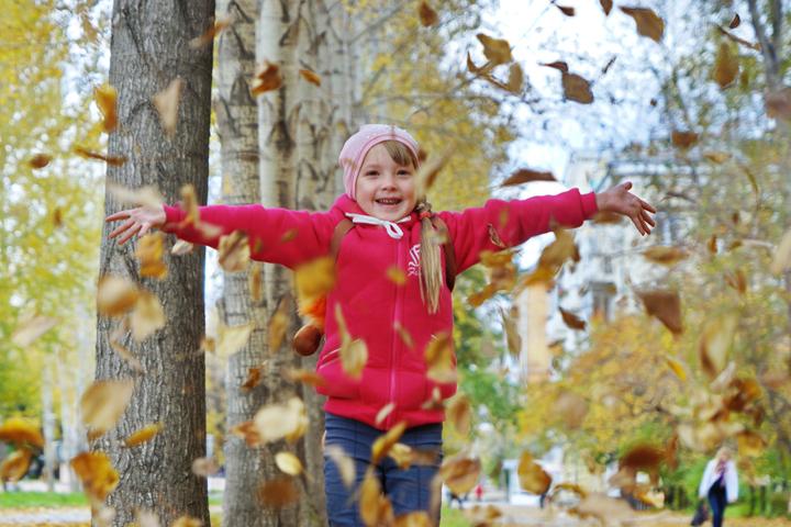 Дети воспринимают вещи в их чистоте, «как есть», они смело экспериментируют, не будучи обремененными опытом и страхами неудач