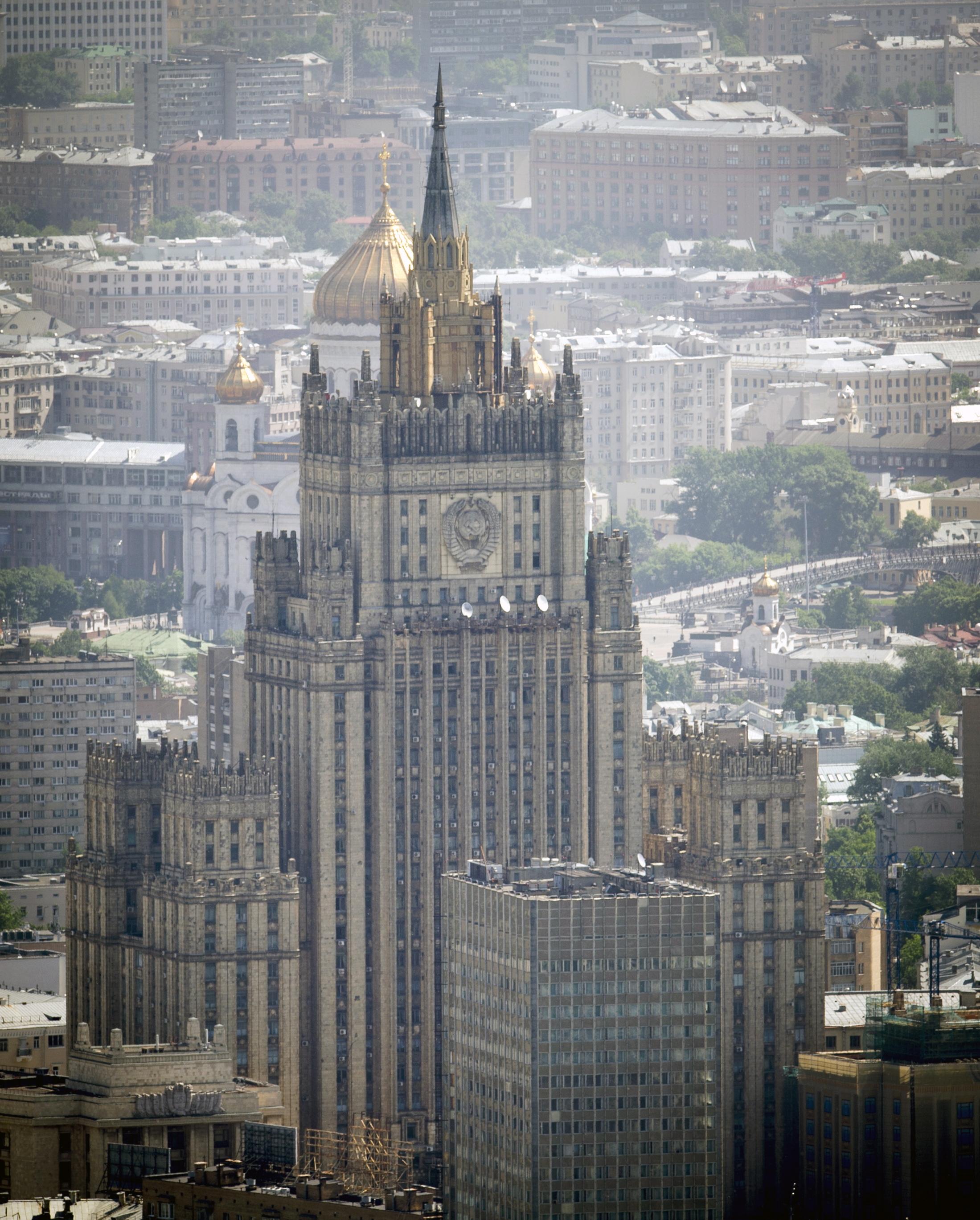 Работы по замене шпиля завершатся к концу 2017 года Фото: Алексей Дружинин/ТАСС