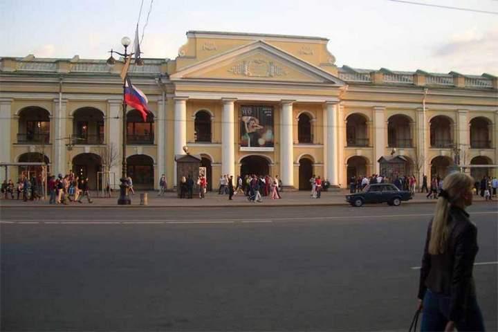 Фото: ГShopAndMall.ru Гостиный Двор - это не только крупнейшее торговое предприятие