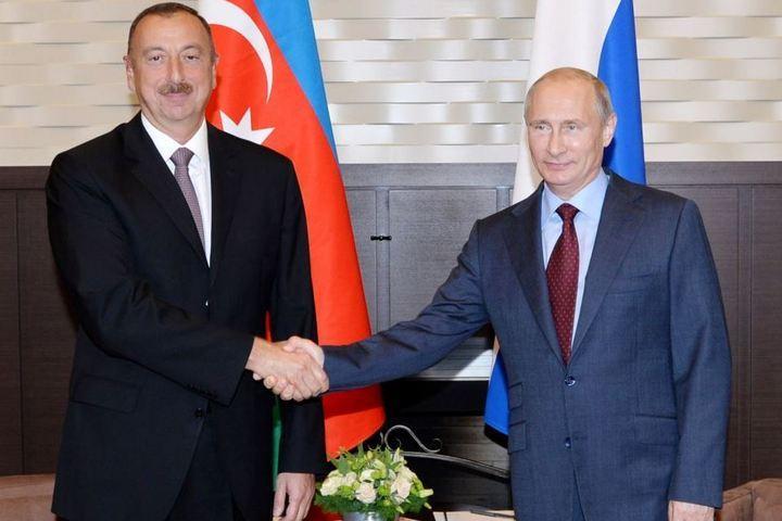 Президентов Азербайджана и России много лет связывают дружеские отношения. Фото: Генеральное консульство Азербайджана в Петербурге.