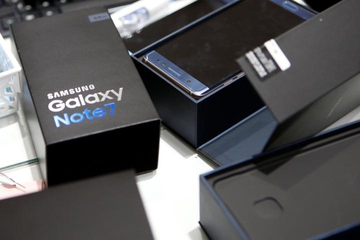 Samsung заявил о полной остановке производства и продажи Galaxy Note 7