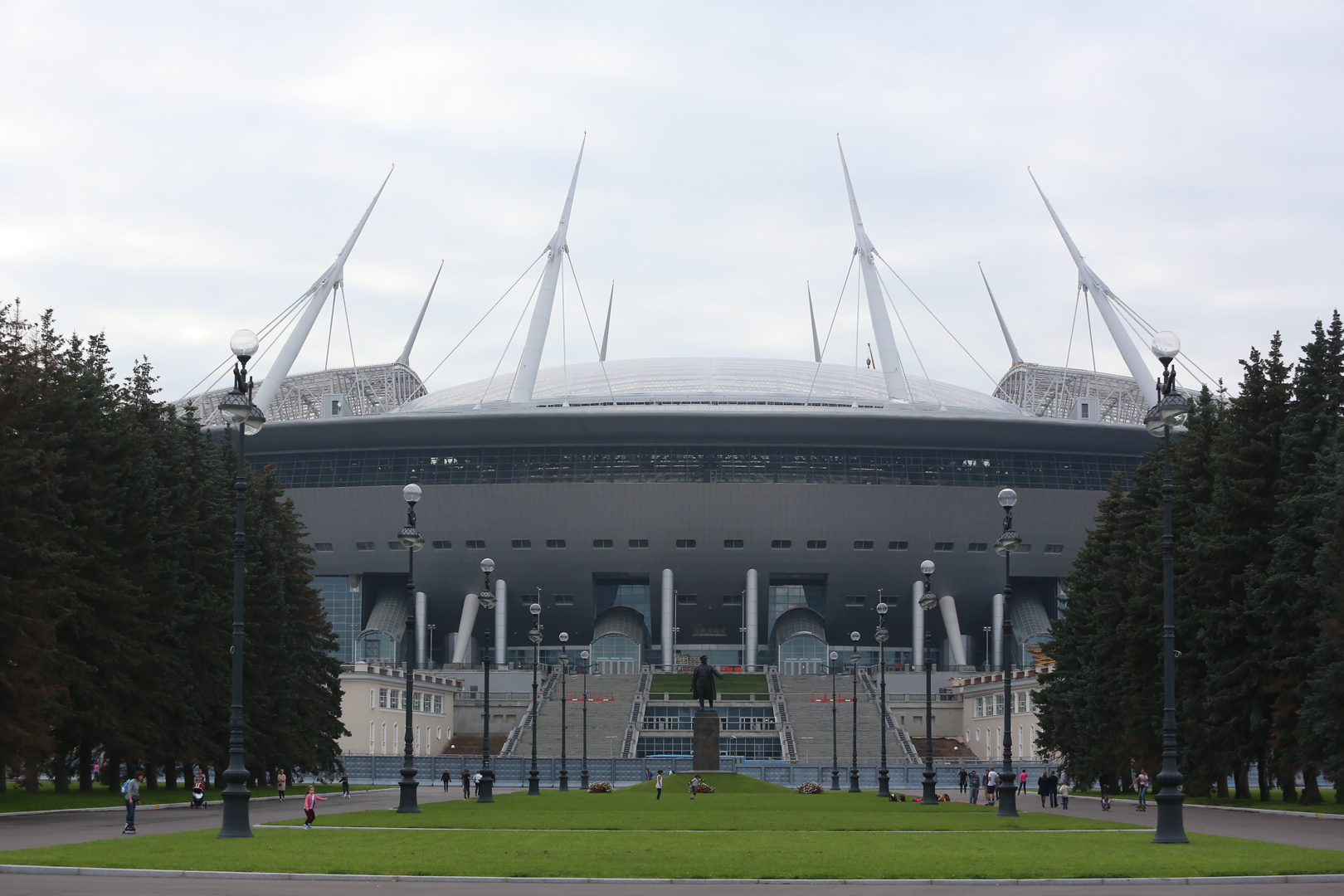 Стадион «Зенит Арена» в Санкт-Петербурге строят почти 10 лет.