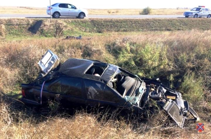Под Волгоградом из-за взрыва колеса ВМW умер 32-летний шофёр
