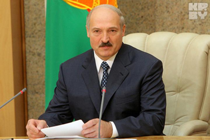 Президент назначил новых послов и управляющих местных органов власти