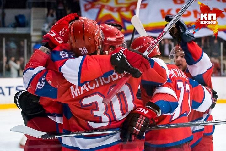 Хоккеисты «Ижстали» проиграли петербургскому «Динамо»