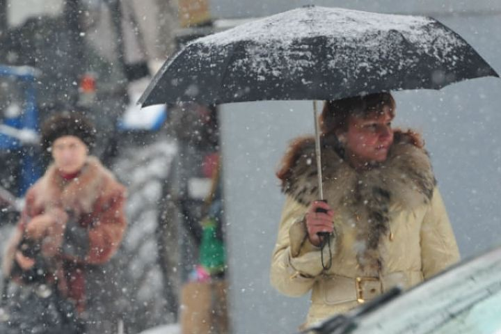 Сильный снег иветер ожидаются встолице вближайшие сутки