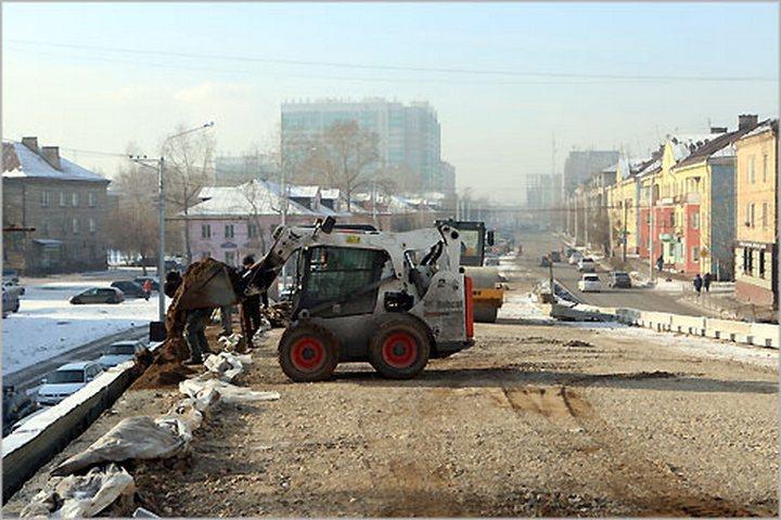 Эдхам Акбулатов проинспектировал ход строительных работ наразвязке поул. 2-ая Брянская