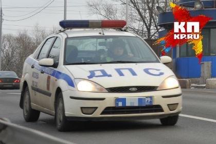 ВОмской области нетрезвый селянин спьяной приятельницей угнали «КамАЗ»