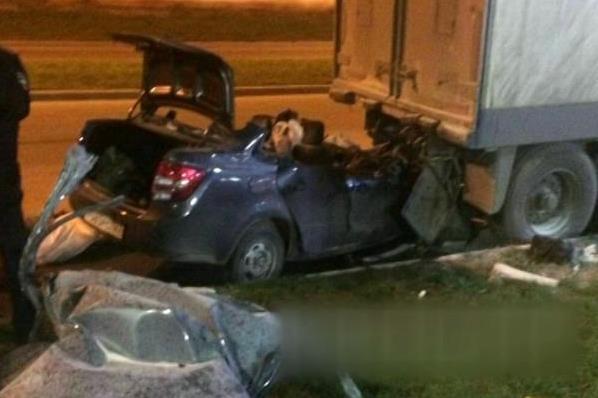 ВКраснодаре 23-летний шофёр умер, врезавшись в фургон