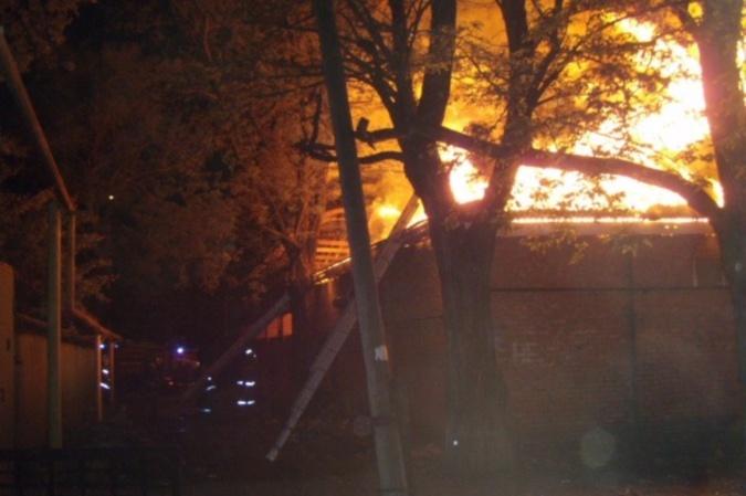 Впожаре вМорозовске пострадал 42-летний мужчина