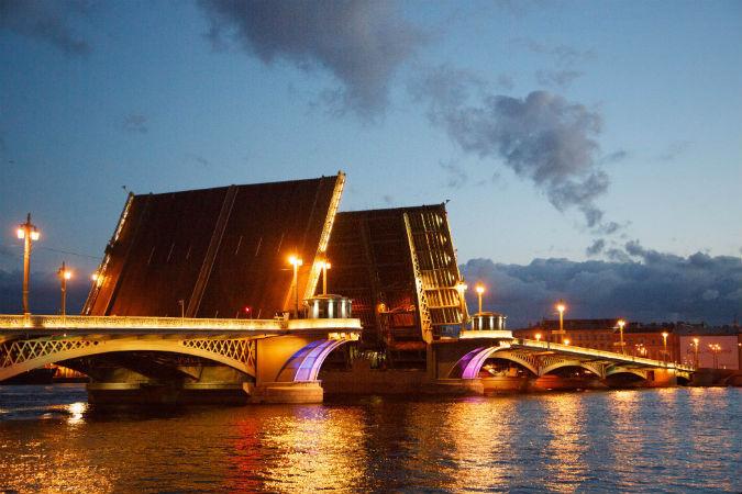 ВПетербурге закрыта навигация на«рукавах» Невы— Мостотрест