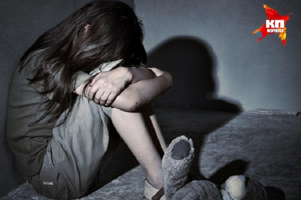 Петербуржец насиловал 12-летнюю падчерицу