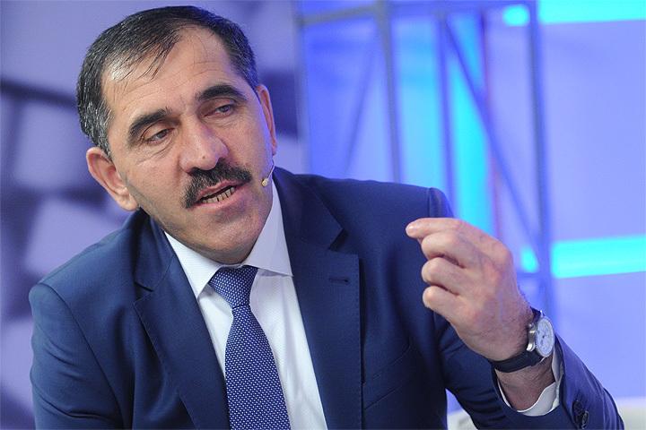 43 сувенира от руководителя Ингушетии будут проданы наблаготворительном аукционе