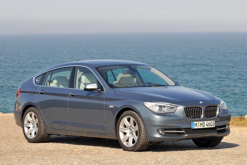 БМВ отзывает 34 тыс. авто из-за трудностей сподушкой безопасности
