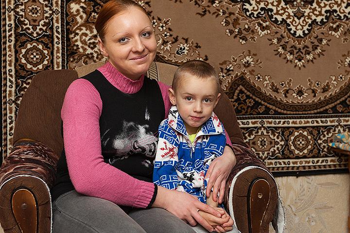 Врачи установили мальчику кохлеарный имплант - маленький аппарат, который полностью преобразил жизнь малыша