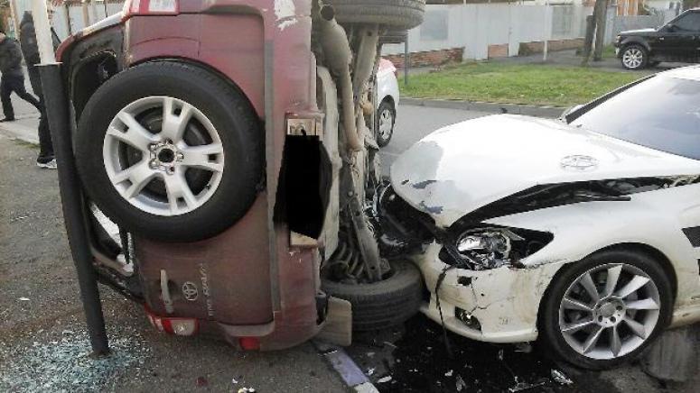ВКраснодаре «Тойота» устроила массовое ДТП иперевернулась