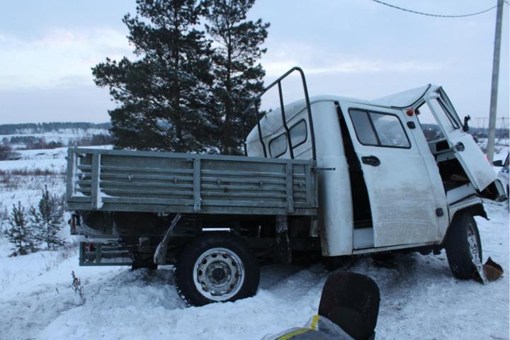 Натрассе Р-255 «УАЗа» влетел вфуру— Смертельное ДТП