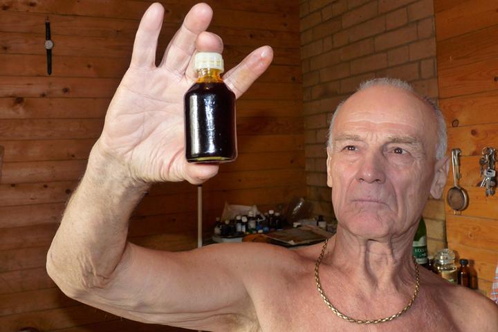 Целителем себя называл некий Игорь Сакулин, который уже не первый год ведет «лечебную» деятельность