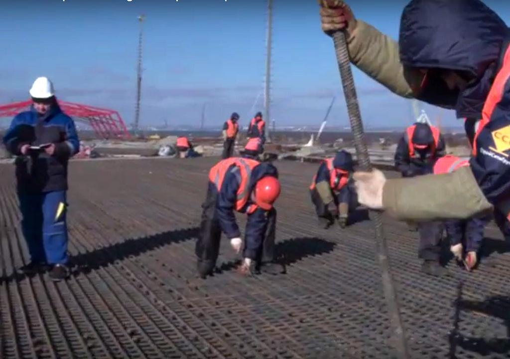 Строители Керченского моста застыли на собственных местах