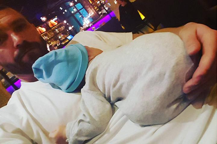 Первое селфи Владимира Кристовского с сыном. Фото: Instagram