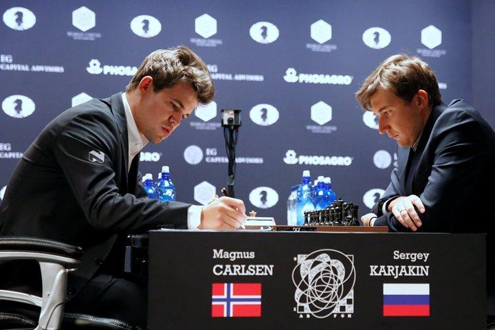 Карякин и Карлсен снова сыграли вничью