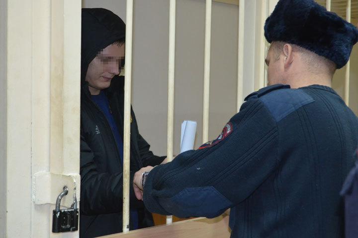 На момент ареста Михаилу предъявили обвинение в убийстве одной девушки.