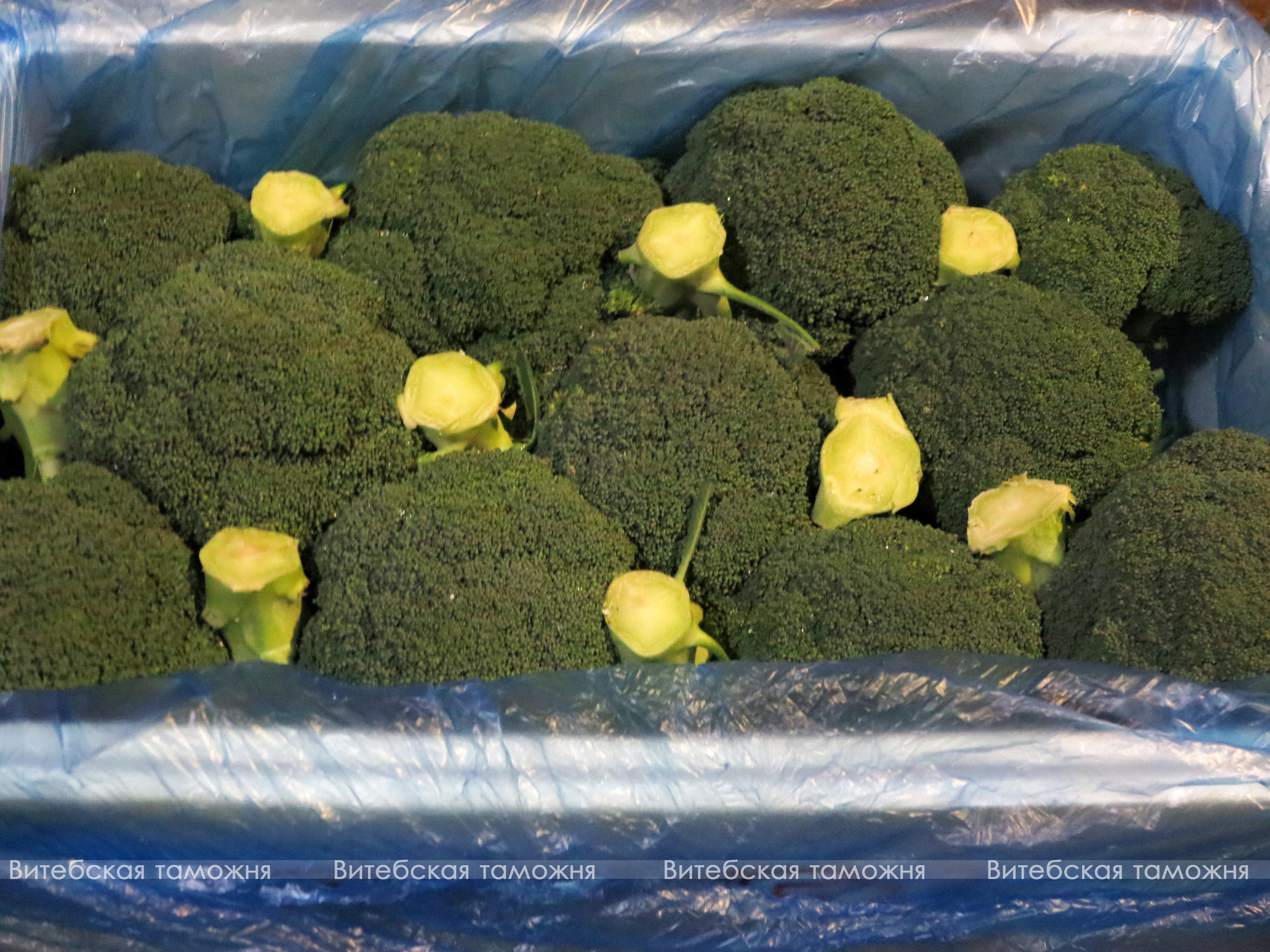Витебские таможенники поймали нелегальный груз овощей и фруктов. Фото: Витебская таможня.