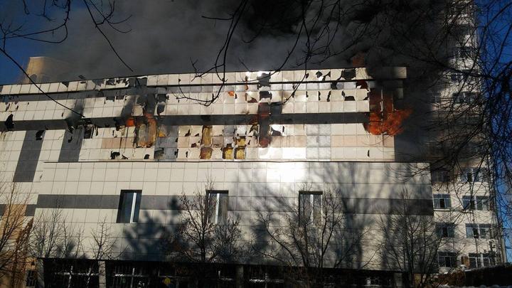 Причины возгорания пока не установлены, однако нарушения там были и раньше.