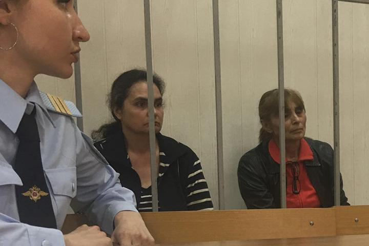 Нотариус Марзият Асанова (слева) была арестована осенью 2015 года, а Леля Хутова - 9 марта 2016-го