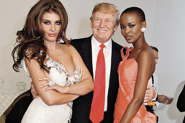 Трампа всегда окружали красивые женщины. И не обязательно жены: в 1996 - 2015 годах он был владельцем конкурса красоты «Мисс США».