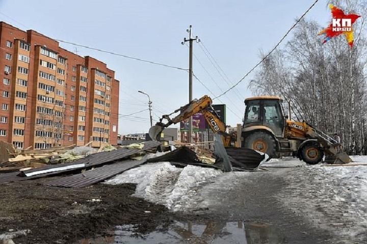 С незаконными постройками в Хабаровске борются еженедельно