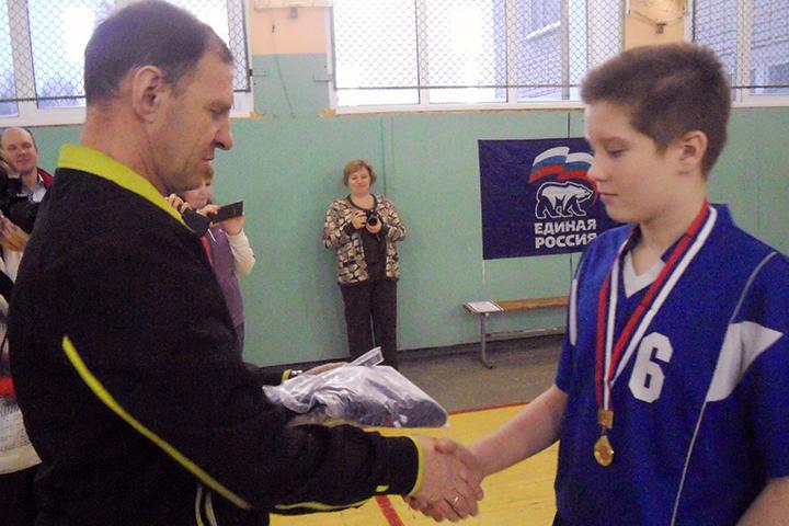 Лучшим нападающим признан Максим Черных из Среднеивкино.