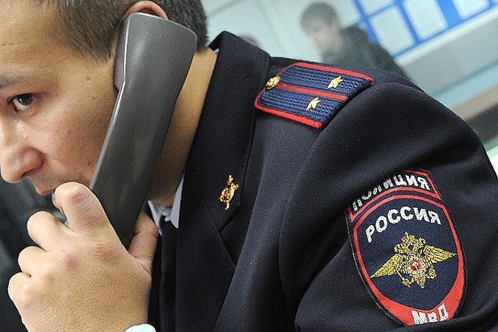 Двое полицейских получили удары ножом в потасовке  наПограничника Гарькавого