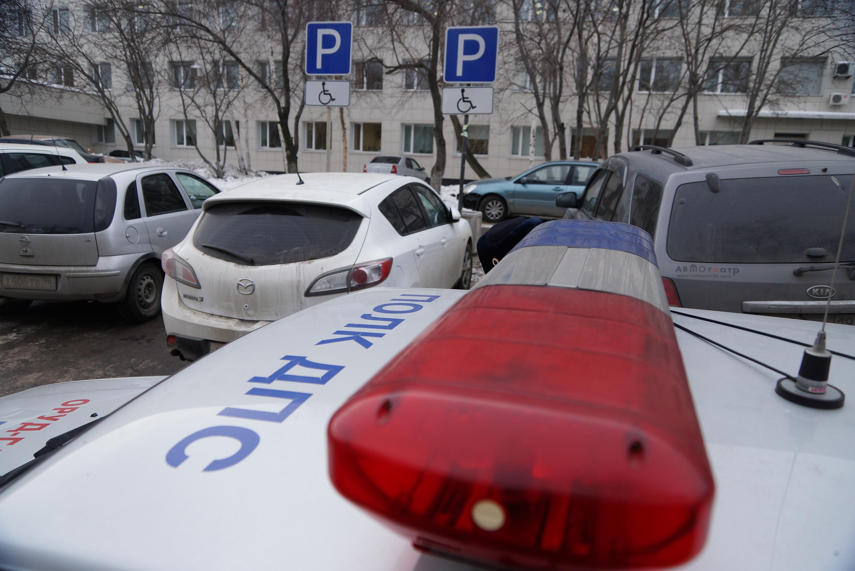 ВПетербурге наМаршала Казакова «ГАЗель» въехала вполицейский «УАЗ»