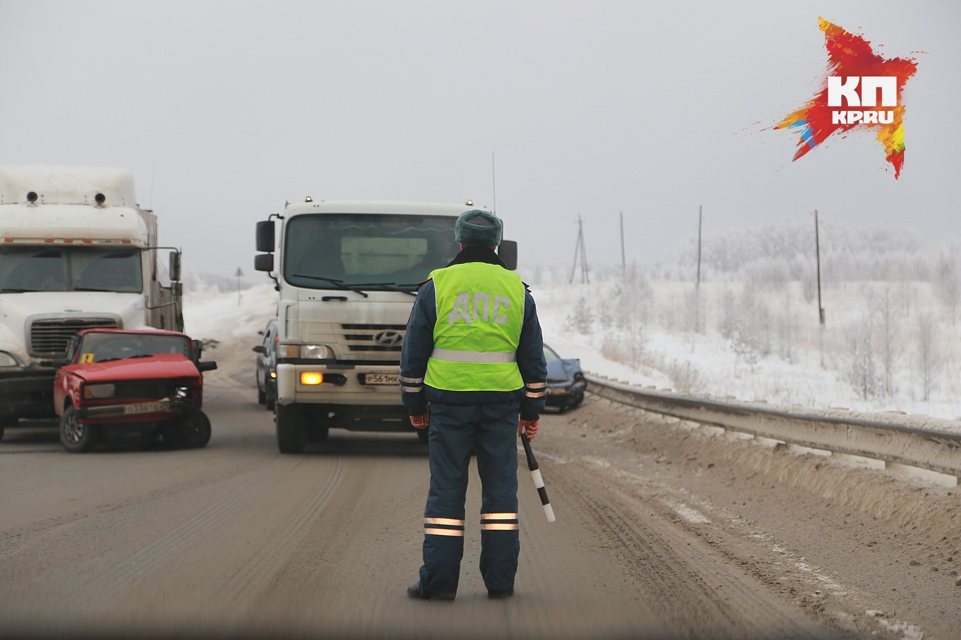 ВКрасноярске автобус спассажирами влетел встолб